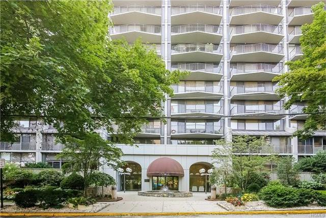 15 Stewart Place #1a, White Plains, NY 10603