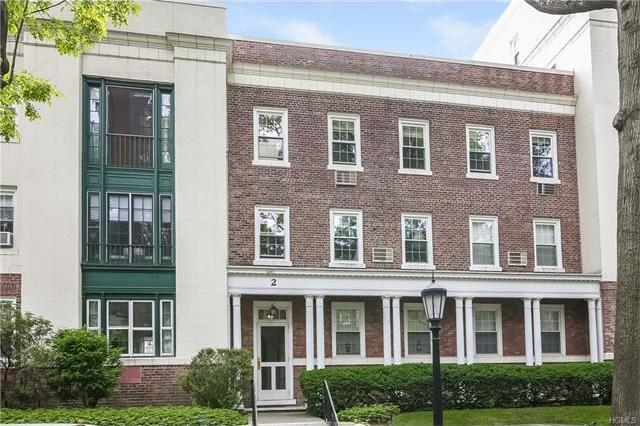 2 Brooklands #3c, Yonkers, NY 10708