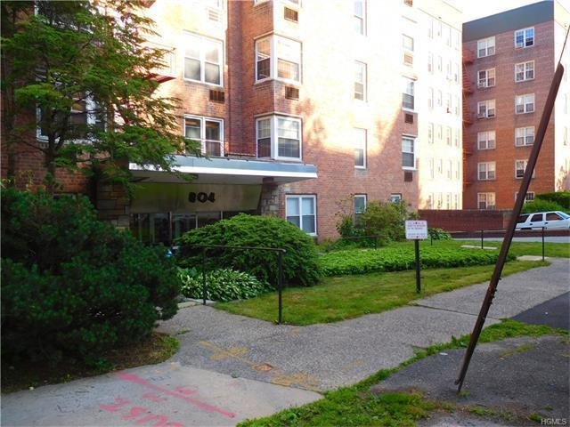 804 Bronx River Road #2d, Yonkers, NY 10708
