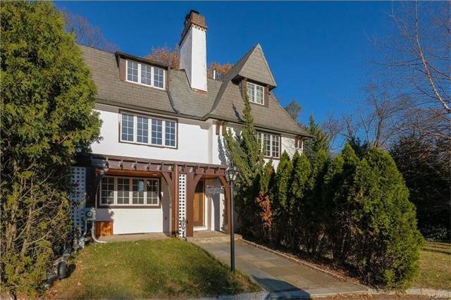 13 Willow Road, Eastchester, NY 10708