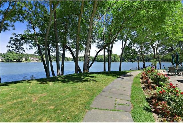 64 Waterside Close, Eastchester, NY 10709