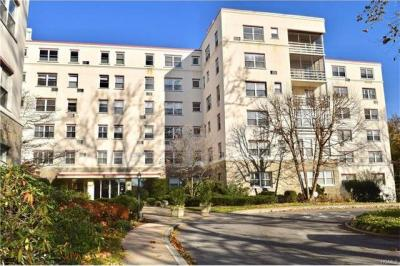 Photo of 1 Stoneleigh #4l, Eastchester, NY 10708