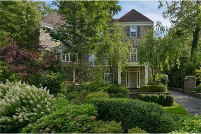 Photo of 9 Crows Nest Road, Eastchester, NY 10708