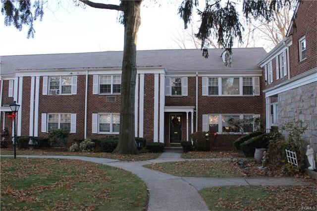 95 Lawrence Park Crescent #95, Yonkers, NY 10708