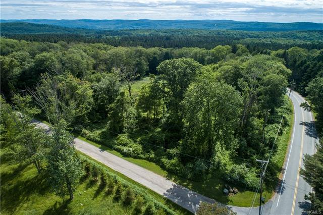 North Quaker Hill Road, Pawling, NY 12564