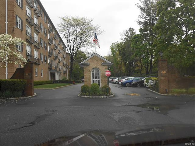 3 Consulate Drive #4n, Eastchester, NY 10707