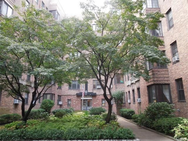 35 Parkview Avenue #2g, Yonkers, NY 10708