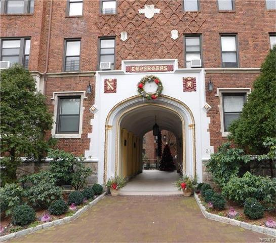 31 West Pondfield Road #23, Yonkers, NY 10708