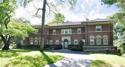 Photo of 660 Colonial Avenue, Pelham, NY 10803