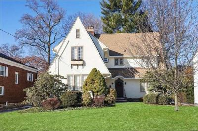 Photo of 35 Storer Avenue, Pelham, NY 10803
