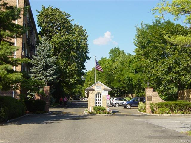 1 Consulate Drive #3k, Eastchester, NY 10707