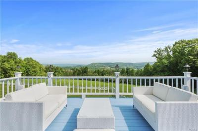 Photo of 41 South Quaker Hill Road, Pawling, NY 12564