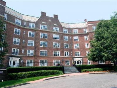 Photo of 5 Midland Gardens #K-l--5th Floor, Eastchester, NY 10708
