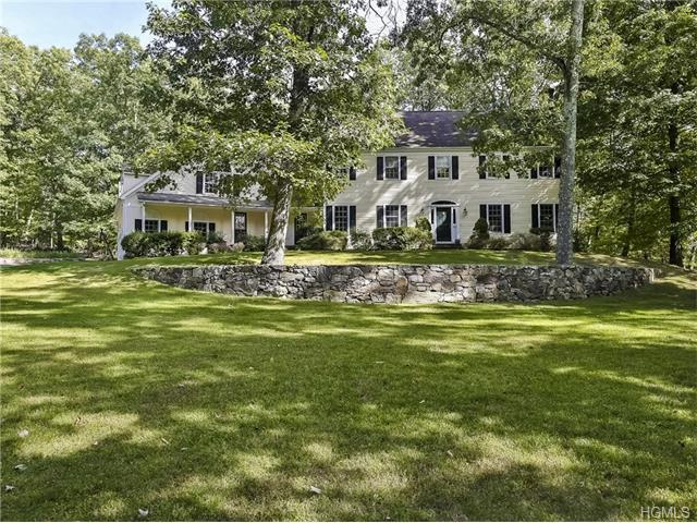 5 Twin Ponds Drive, Bedford, NY 10507