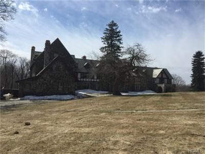 Photo of 2016 Quaker Ridge Road, Cortlandt, NY 10520