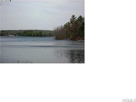 15 Mohican, Lumberland, NY 12737