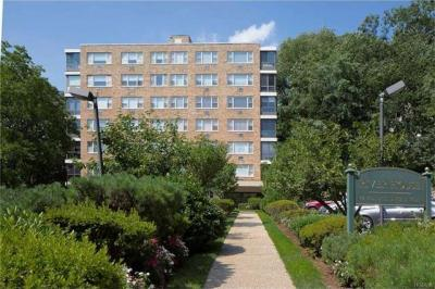 Photo of 72 West Pondfield Road #1c, Eastchester, NY 10708