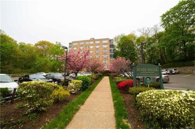 Photo of 72 West Pondfielld Road #5c, Eastchester, NY 10708