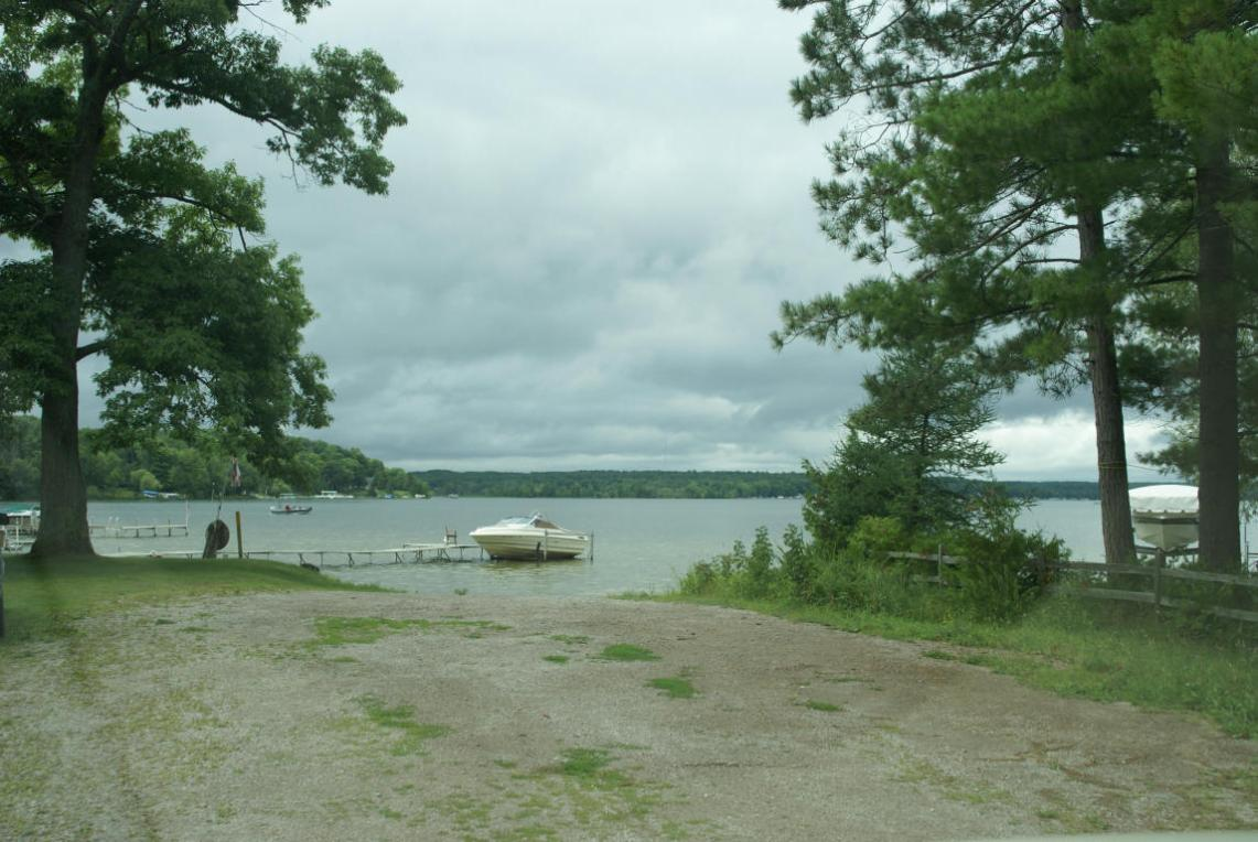 E Mullett Lake Road, Indian River, MI 49749