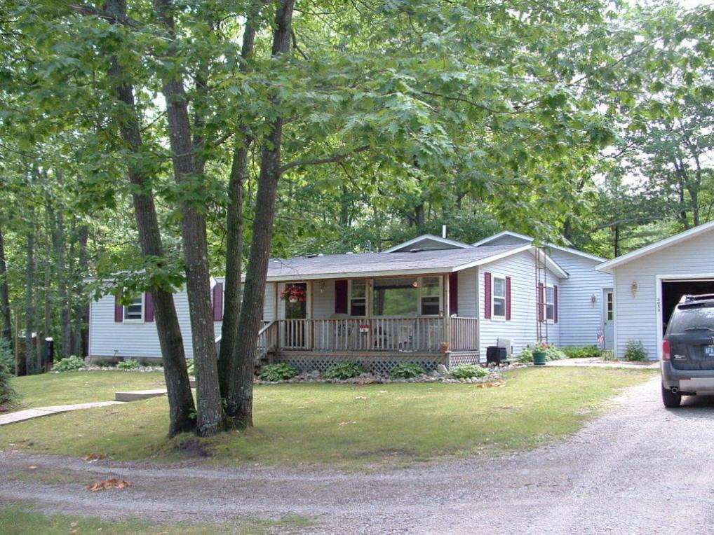 2053 Bennett Road, Topinabee, MI 49791
