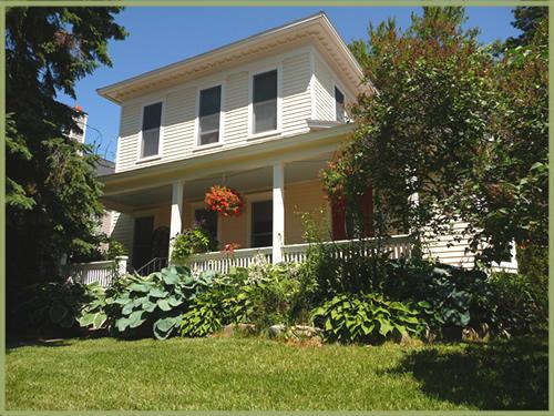 258 W Fourth Street, Harbor Springs, MI 49740