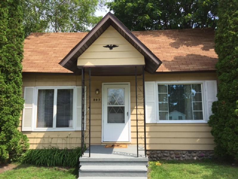 307 E Jamet, Mackinaw City, MI 49701