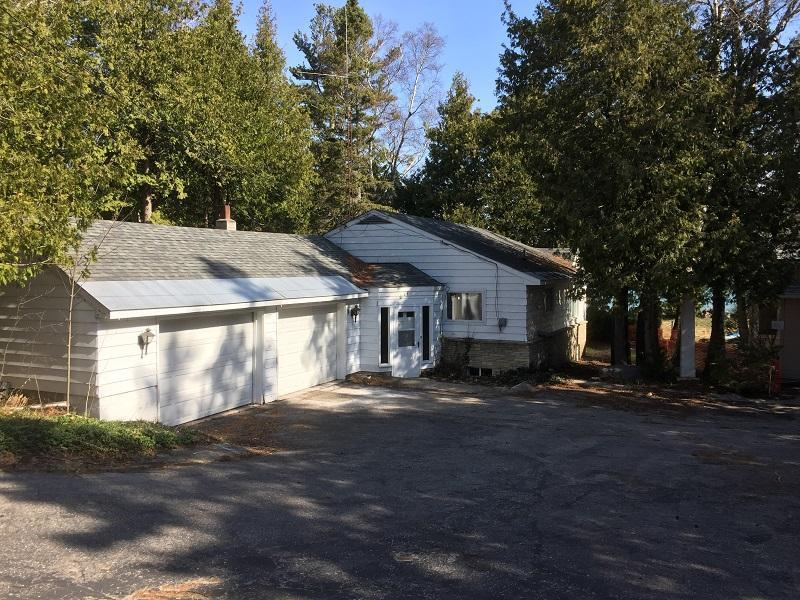 914 Lakeside Drive, Mackinaw City, MI 49701