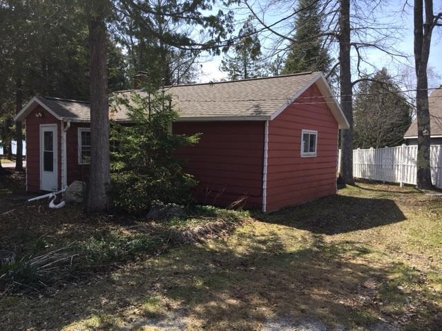 9484 Lake Street, Presque Isle, MI 49777