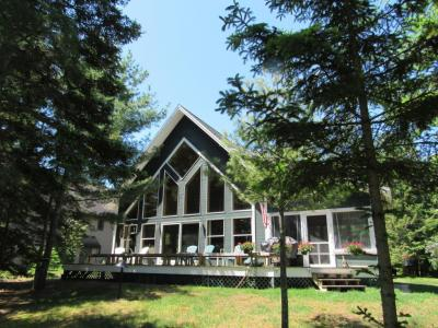 Photo of 3350 Edgewater Drive, Cheboygan, MI 49721