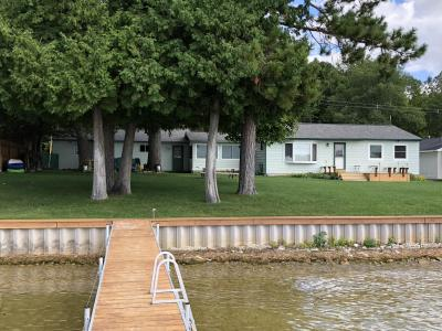 Photo of 740 Shoreview Lane, Indian River, MI 49749