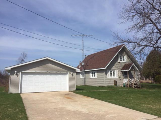 5822 Lori Lane, Indian River, MI 49749