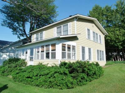 Photo of 1402 Topinabee Shore Drive, Topinabee, MI 49791